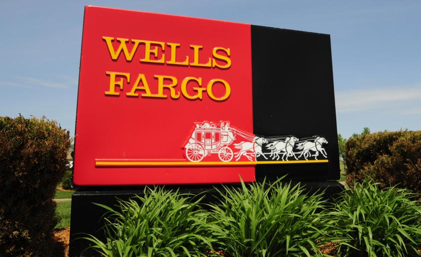 This May 22, 2009 photo shows a sign for Wells Fargo banks in Woodbury, Minnesota. AFP PHOTO/Karen BLEIER (Photo credit should read KAREN BLEIER/AFP/Getty Images)